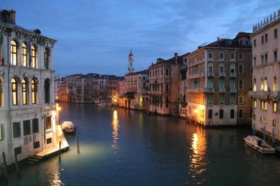 Il Ponte di Rialto - Venezia (5019 clic)