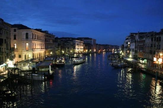 Il Ponte di Rialto - Venezia (3420 clic)