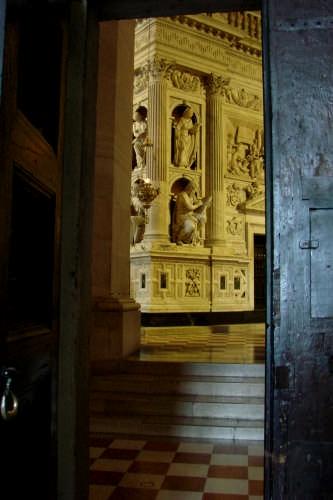 la porta - LORETO - inserita il 22-Feb-09