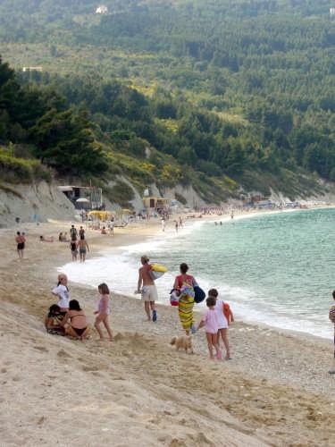 il primo giorno in spiaggia - Sirolo (2574 clic)