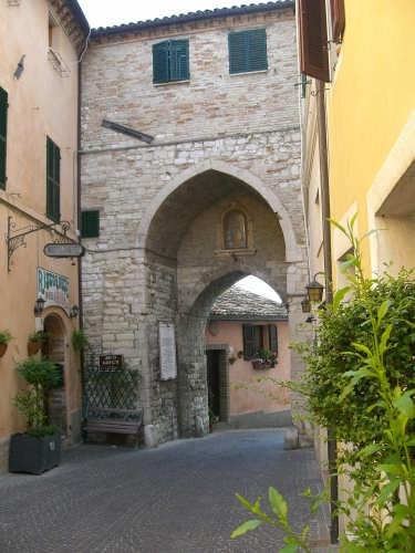 sirolo(an) arco gotico (7880 clic)