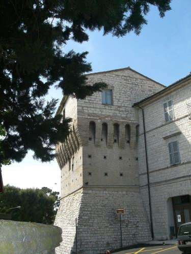 sirolo(an)  il torrione (3219 clic)