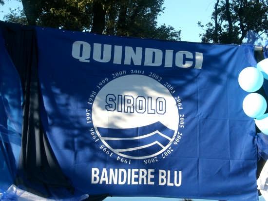 quindicesima bandiera blu consecutiva alla città di SIROLO (2757 clic)