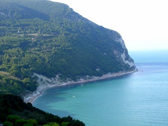 monte conero    572 m - Sirolo (12953 clic)