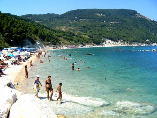 La spiaggia di San Michele  a Sirolo  (26765 clic)