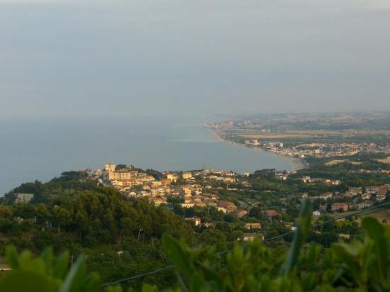 foto di sirolo (an) regione Marche   Italia (4394 clic)