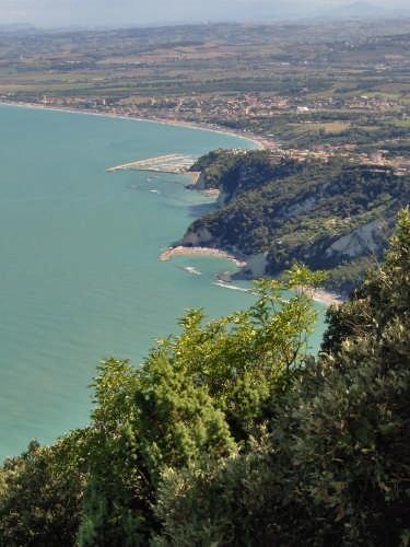 foto di Sirolo (an)   regione marche  Italia (10062 clic)