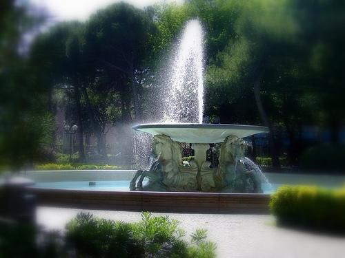 Rimini - Fontana dei 4 cavalli (3749 clic)