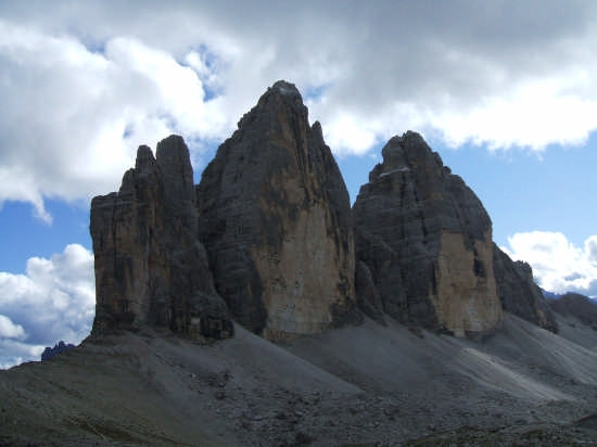 Tre cime di Lavaredo  -dal rif. Locatelli m.2450- - Auronzo di cadore (4683 clic)