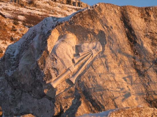 scolpito nella roccia - Capracotta (7552 clic)
