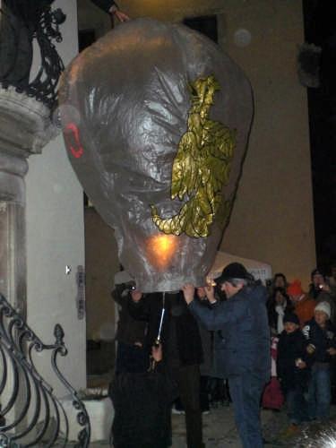 Mongolfiere per la festa di sant'Antonio a Pescocostanzo (3198 clic)