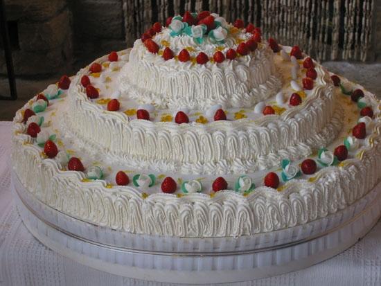 torta nunziale 03/07/2004 - Pescocostanzo (2193 clic)
