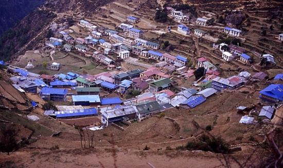 Namche Bazar 3440 mt - Pescocostanzo (2508 clic)