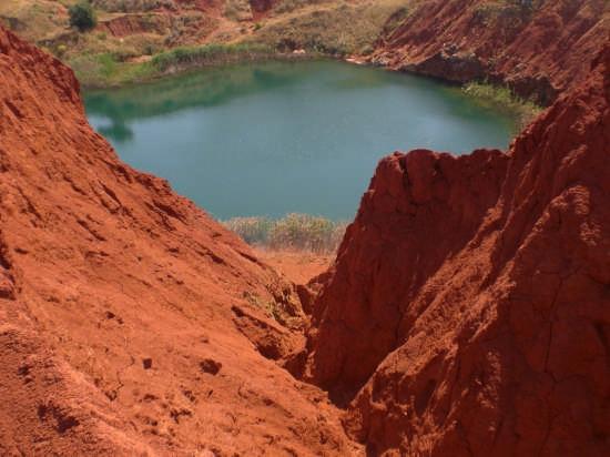 lago di bauxite - Otranto (7795 clic)