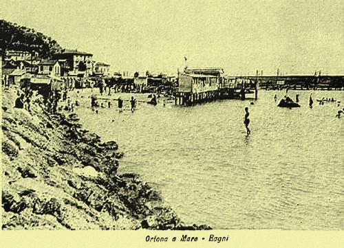 stabilimento balneare su palafitte-1929 - Ortona (4085 clic)
