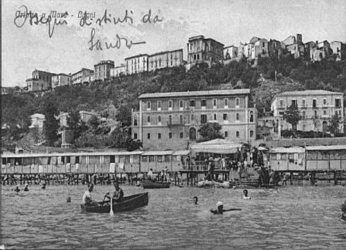 1932 stabilimento balneare davanti all'Hotel Gobbo - Ortona (3744 clic)