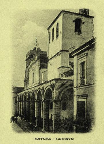 San Tommaso-il porticato della Cattedrale - 1920 - Ortona (3301 clic)