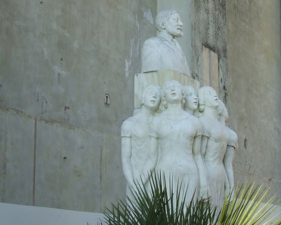 monumento a Francesco Paolo Tosti musicista - Ortona (2979 clic)