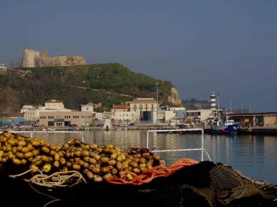 il Castello aragonese visto dal porto - Ortona (2044 clic)