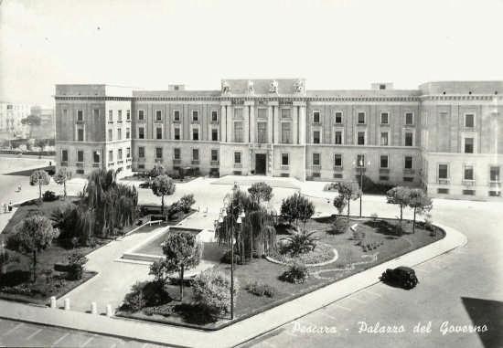 il palazzo del Governo 1952 - Pescara (5294 clic)