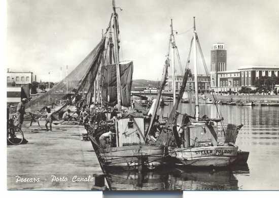 Pescara,porto canale da sud  1960 (5112 clic)