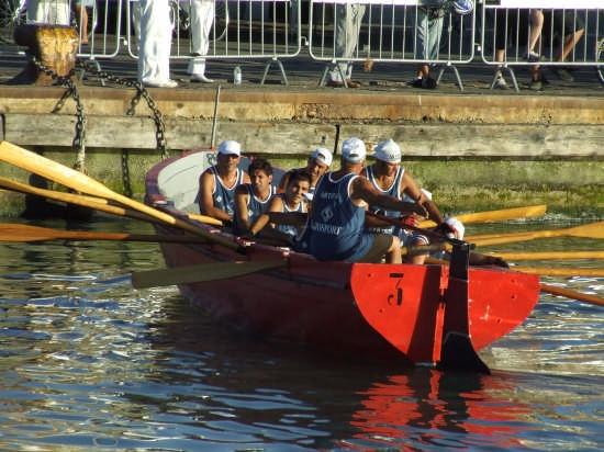 regata dei gonfaloni 2008 l'equipaggio di Ortona - Pescara (2693 clic)