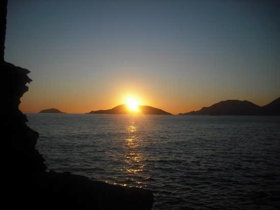 Scorcio di un tramonto di Dicembre - Lerici (3797 clic)