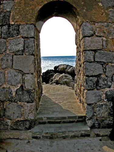Cefalù - passaggio a mare (891 clic)