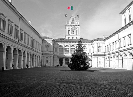 Quirinale  e  bandiera - Roma (1635 clic)
