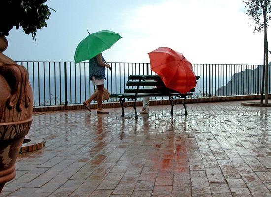 Vista sui faraglioni - Capri (2509 clic)