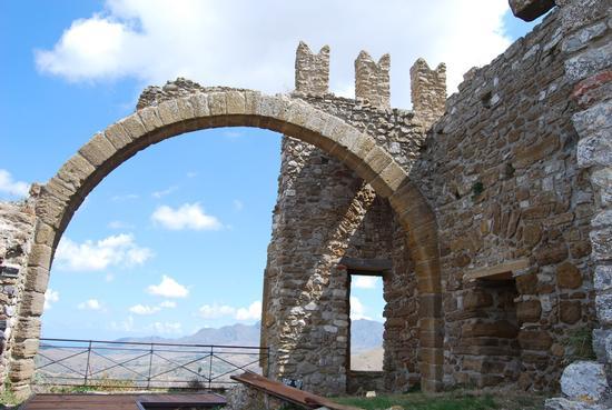 Castello di Cefalà Diana (948 clic)