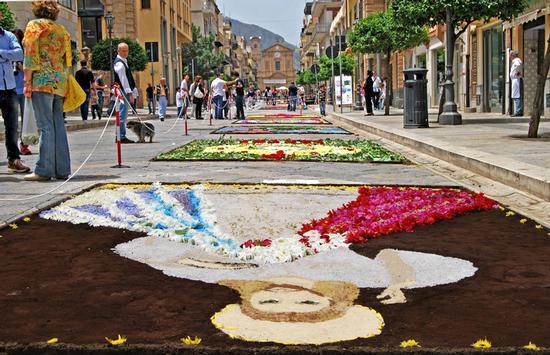 Bagheria - Corso Umberto - infiorata 2016 (904 clic)