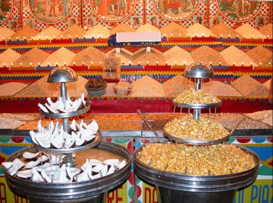 BAGHERIA - Bancarella di semi e frutta secca (5285 clic)