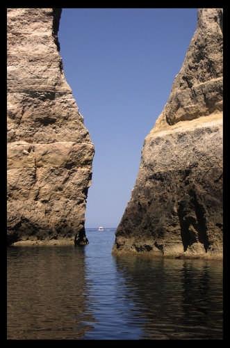 Il varco - Lampedusa (4490 clic)