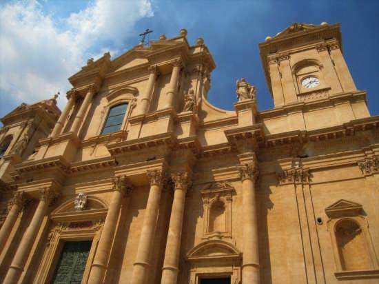 L'emblema del Barocco siciliano - Noto (4008 clic)