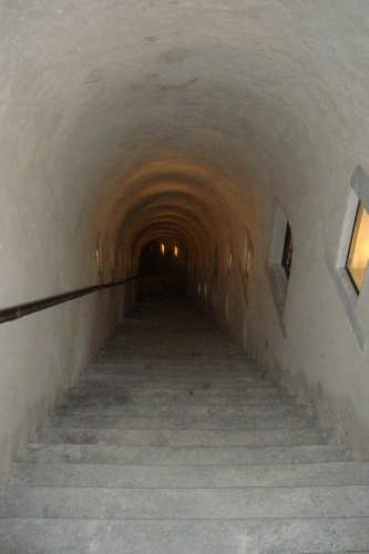 un salto nel buio all interno del forte - Bard (3187 clic)