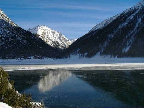 sul lago ghiacciato - Livigno (6626 clic)