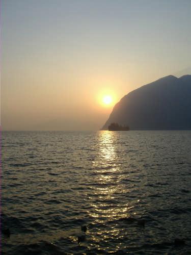 tramonto sul lago - Montisola (1474 clic)