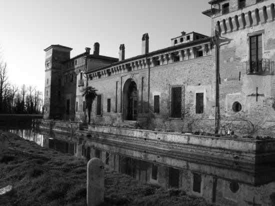 il castello della dama bianca - Padernello (3789 clic)