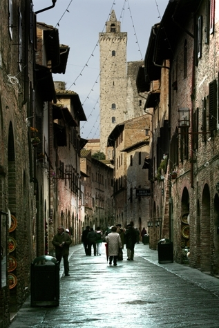 walking after the rain - San gimignano (2693 clic)