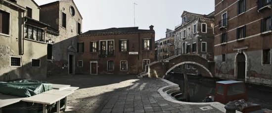 Calle di Venezia in zona Ospedale (3585 clic)