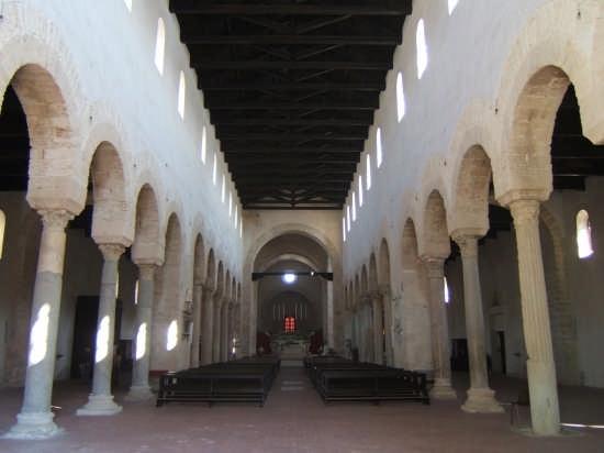 Interno di Cattedrale - Gerace (4136 clic)