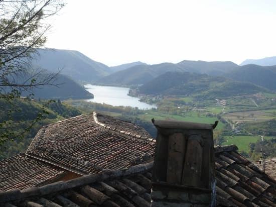Labro. Vista sul lago di Piediluco (3524 clic)