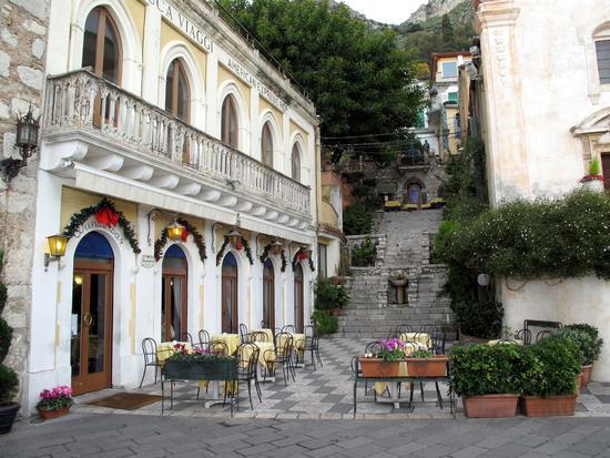 Particolare, piazza 9 Aprile - Taormina (3518 clic)