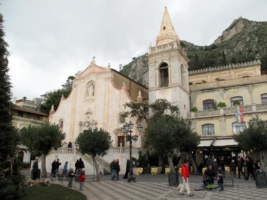 Piazza 9 Aprile - Taormina (3214 clic)