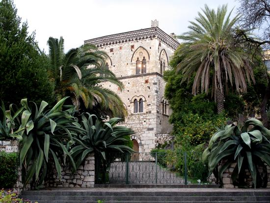 Villa con giardino - Taormina (3123 clic)