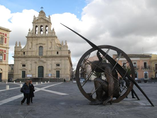 Duomo e monumento - Grammichele (3630 clic)
