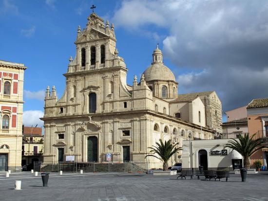 Il Duomo restaurato - Grammichele (4027 clic)