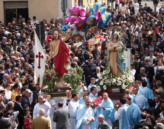 Processione di Pasqua - Biancavilla (5373 clic)
