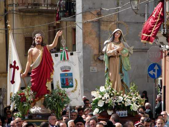Processione di Pasqua - Biancavilla (5479 clic)